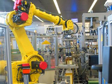 Divisioni di United Symbol - Robot Pallettizzatori e Antropomorfi